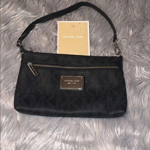 MICHAEL Michael Kors Jet Set Black Large Wristlet